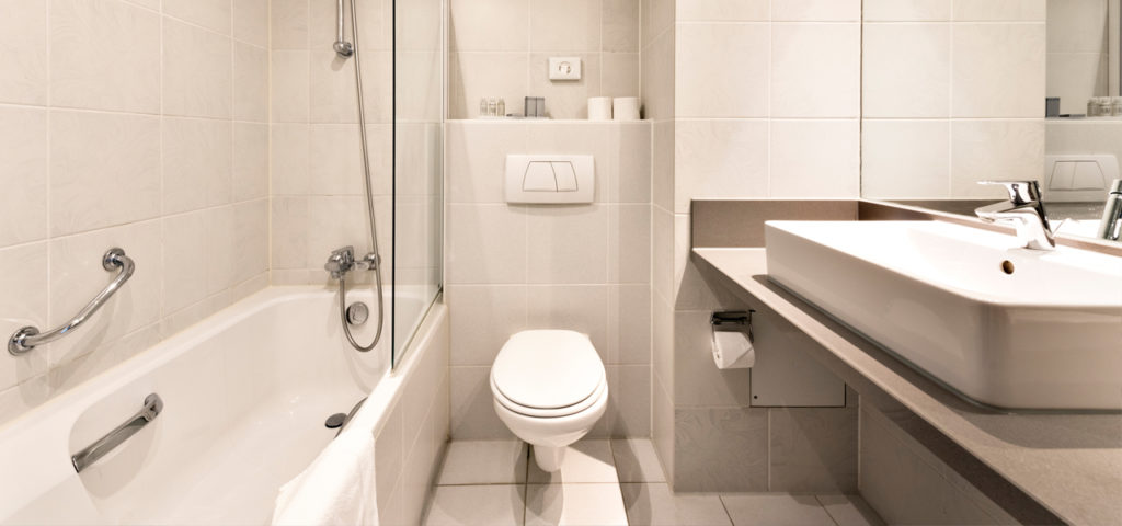 Badkamer Superieur Kamer duinzijde Strandhotel Seeduyn op Vlieland - Westcord Hotels
