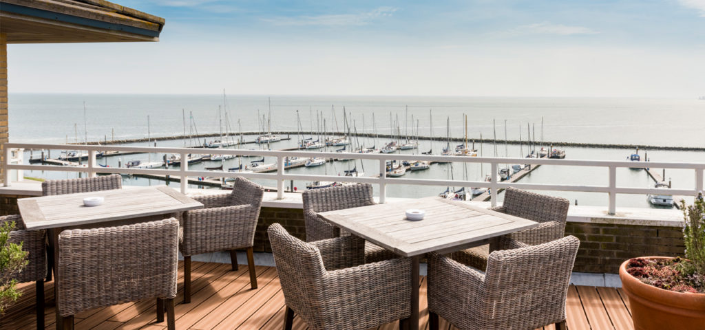 Terras Hotel Schylge op Terschelling - Westcord Hotels