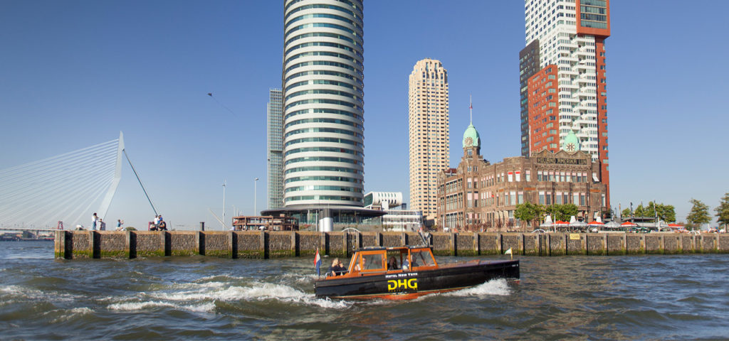 Watertaxi bij Hotel New York - Westcord Hotels