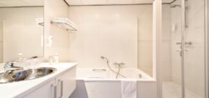 WestCord Hotel De Wadden_badkamer_breed - Westcord Hotels