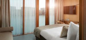 hotel-jakarta-amsterdam-junior-suite-shower-douche-bad-bath-westcord-hotels-2 - Westcord Hotels