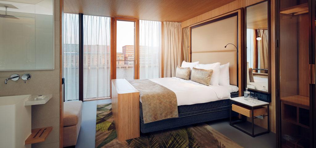 hotel-jakarta-amsterdam-junior-suite-shower-douche-westcord-hotels-1 - Westcord Hotels
