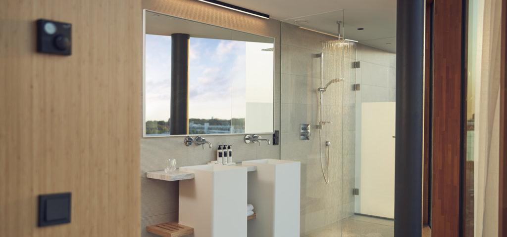 hotel-jakarta-amsterdam-junior-suite-shower-douche-westcord-hotels-6 - Westcord Hotels