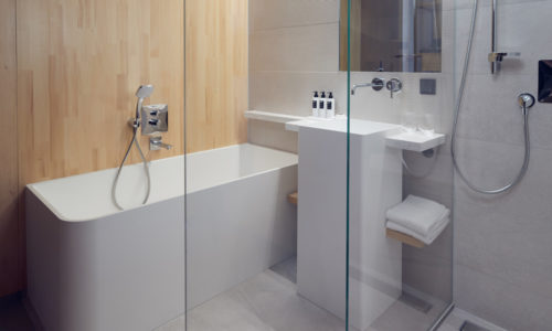 HJA – Superior Room with bath and shower - WestCord Hotels
