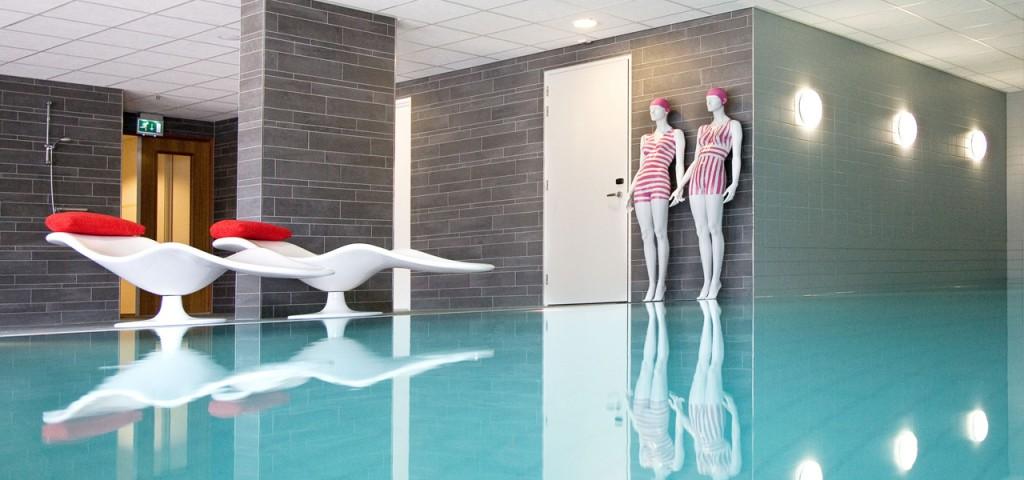 Zwembad in The Wellness Garden in Fashion Hotel Amsterdam - Westcord Hotels