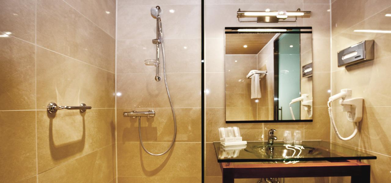 badkamer-douche-wtc-hotel-leeuwarden