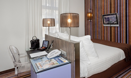 cosy-double-room-city-centre-hotel-amsterdam