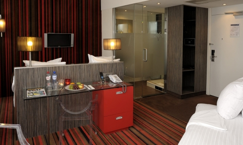 cosy-triple-room-cityview-city-centre-hotel-amsterdam