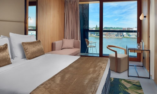 Riverview Superior room- Hotel Jakarta Amsterdam