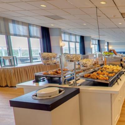 360º foto Ontbijtbuffet en Noordzeeserre Strandhotel Seeduyn
