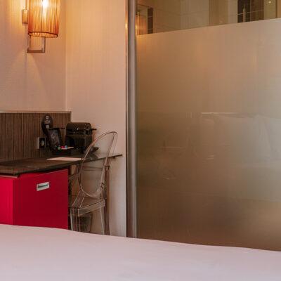 westcord-city-centre-hotel-amsterdam-room-double-badkamer.jpg